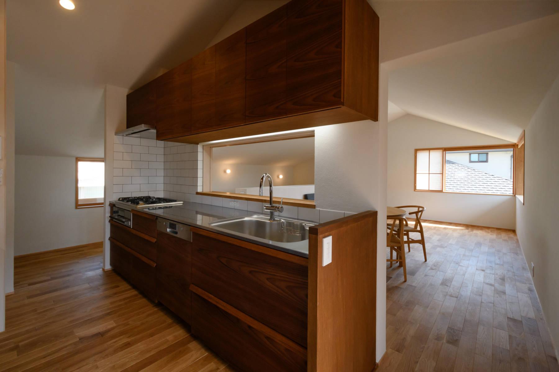 白楽町の家 大空間で北欧テイストの二階リビング